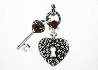 marcasite-jewelry-marvel-pendant-3